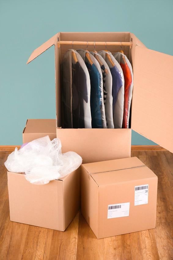 Cartons de déménagement et penderies